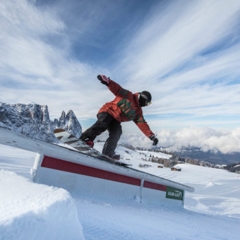 Snowboard on Snowpark King Laurin on Alpe di Siusi